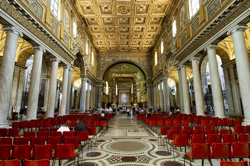 The nave of Santa Maria Maggiore