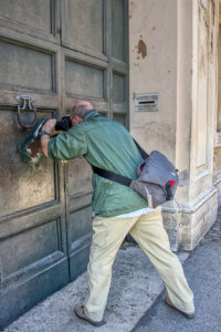 Photographing through the Keyhole at the Priory of the Knights of Malta