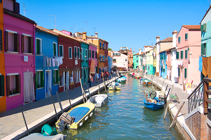 A canal on Burano, Venice ©Bill Gent